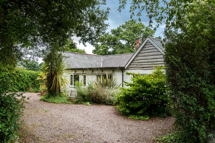 Miraculous Old Farm Cottage Pilley New Forest Cottages Home Interior And Landscaping Palasignezvosmurscom