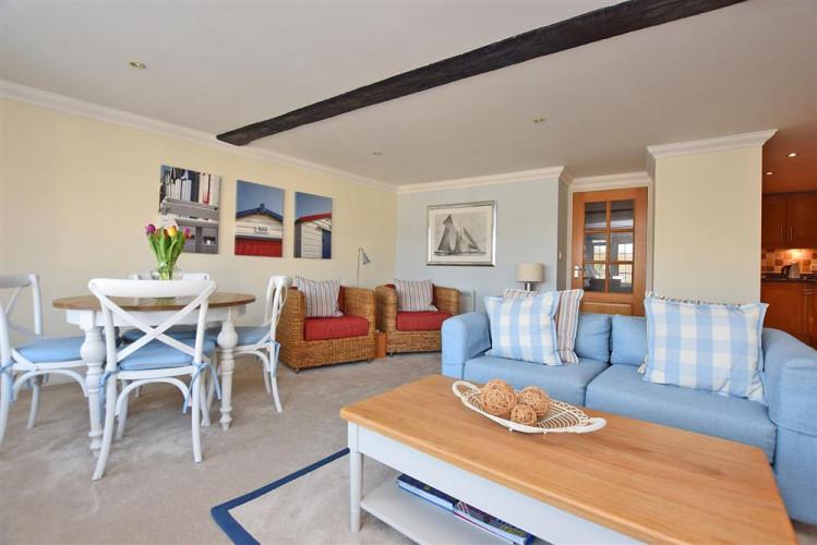 10 Admirals Court Lymington New Forest Cottages